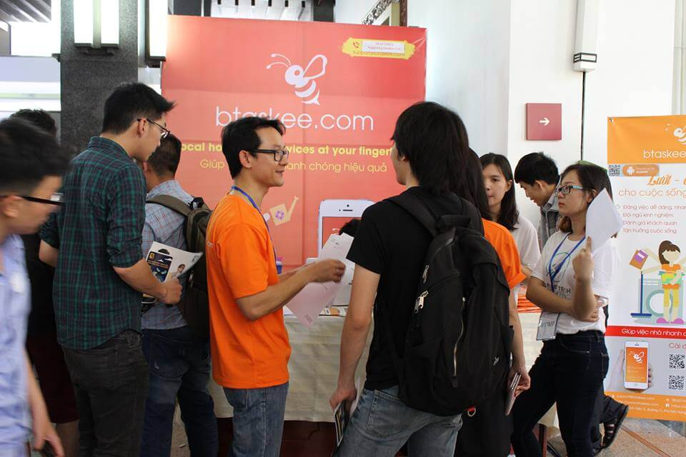 bTaskee's CEO - Mr. Nathan Do were answering questions from young people about the app