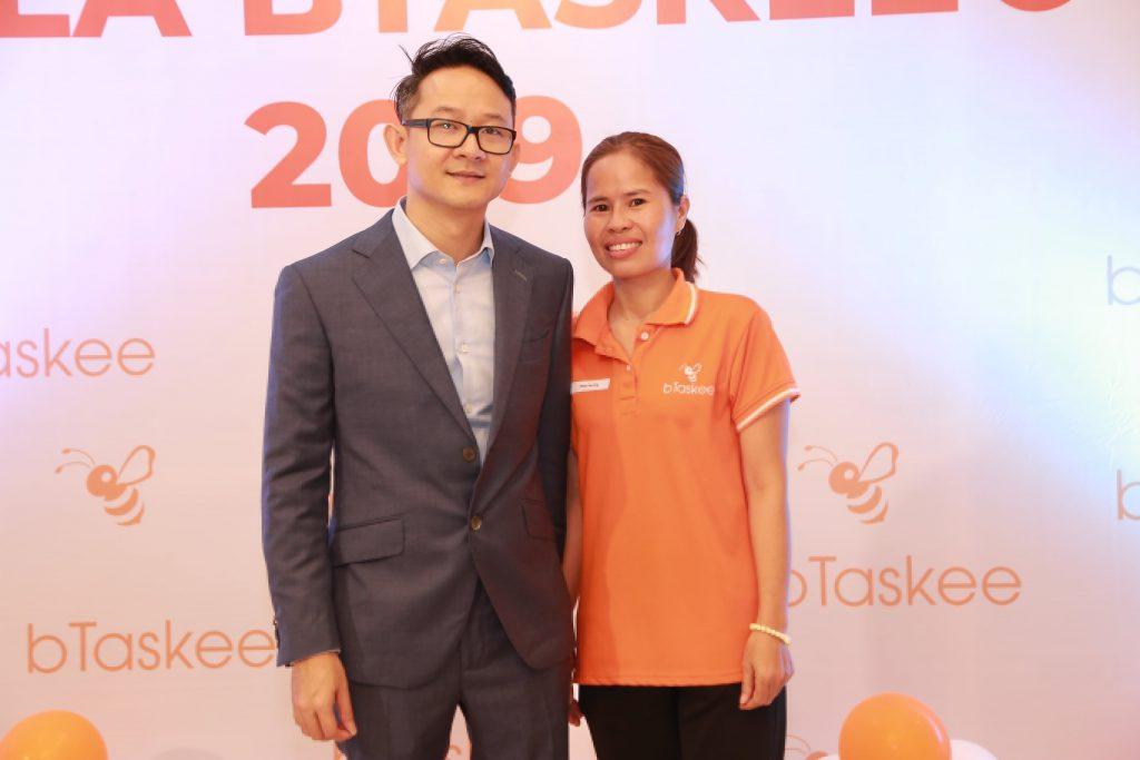 cong-tac-vien-chup-anh-cung-CEO-bTaskee