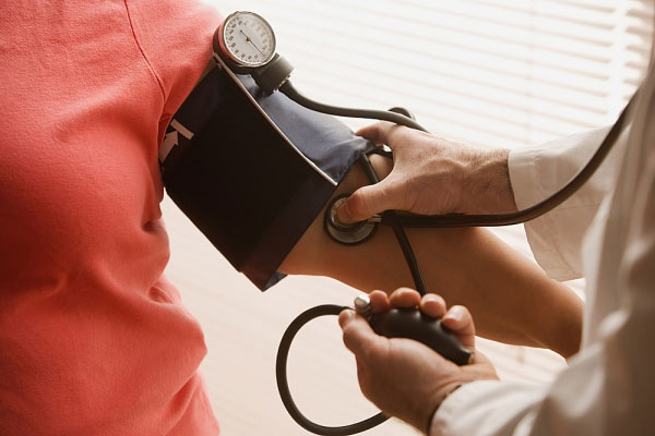 dọn dẹp nhà cửa giúp ngừa cao huyết áp