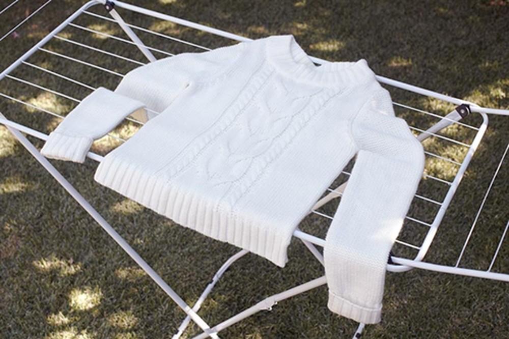 phơi áo len