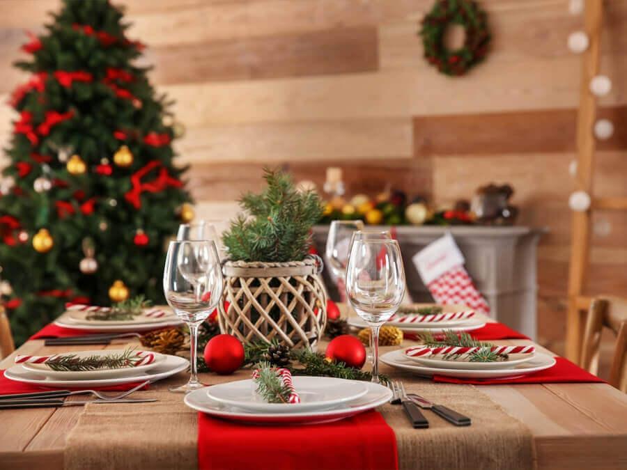 bàn tiệc bằng gỗ