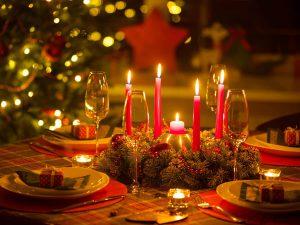 cách trang trí bàn tiệc giáng sinh