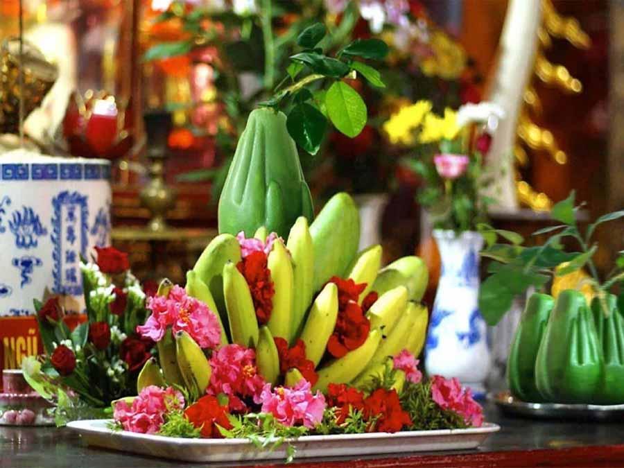 hoa quả trên bàn thờ