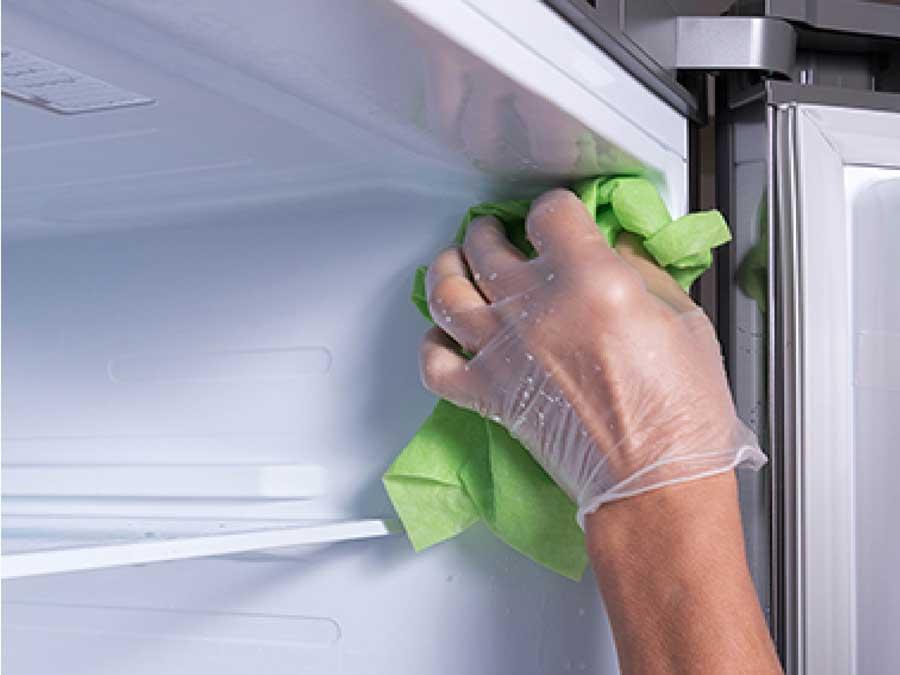vệ sinh ngóc ngách tủ lạnh