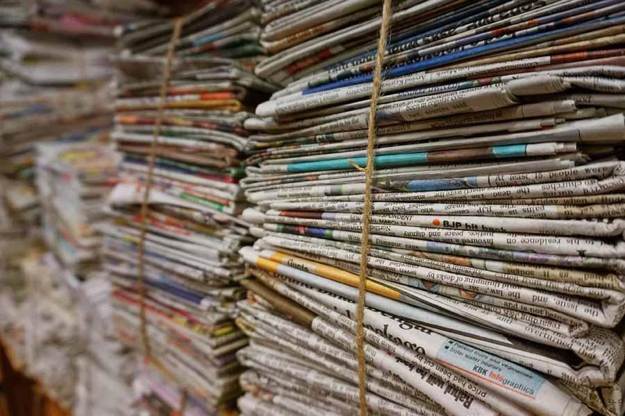 báo cũ