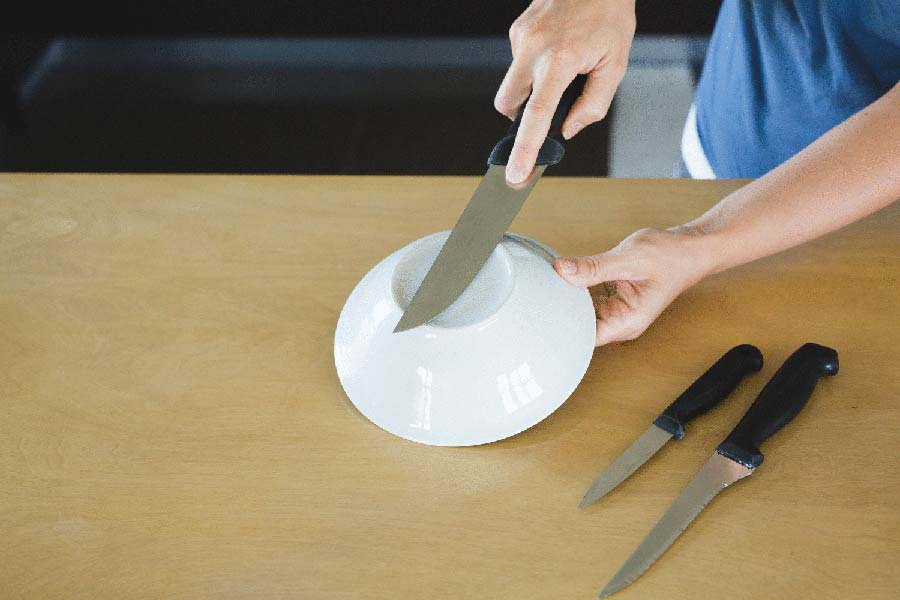 cách mài dao bằng đĩa sứ