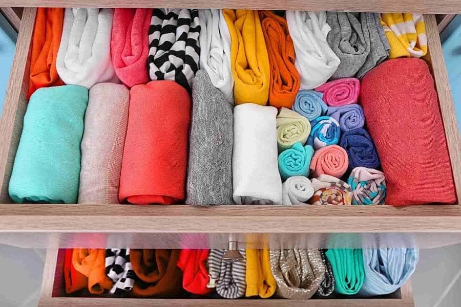 gấp quần áo ngăn nắp
