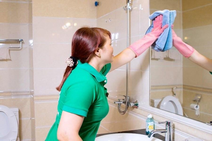 lau gương nhà tắm