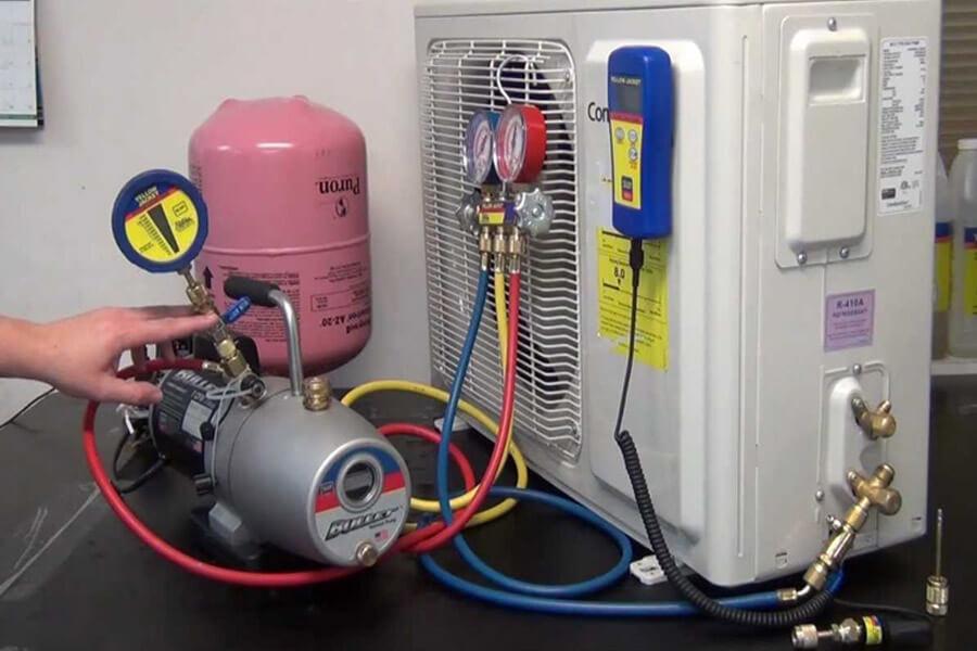 máy lạnh tự tắt khi hết ga