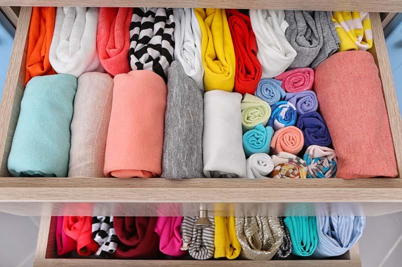 sắp xếp quần áo
