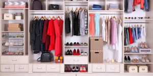 cách tiết kiệm không gian tủ quần áo