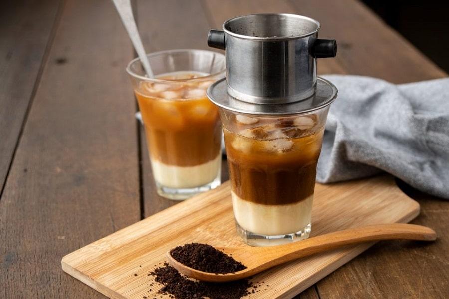 Cách vệ sinh nồi chiên không dầu với cà phê sữa