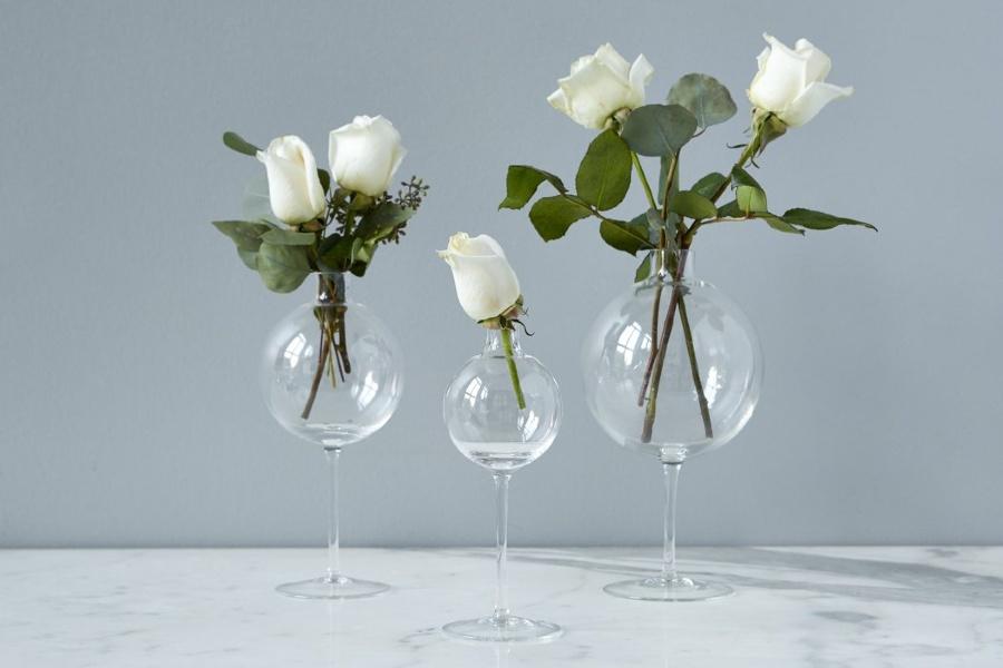 những bình hoa tươi