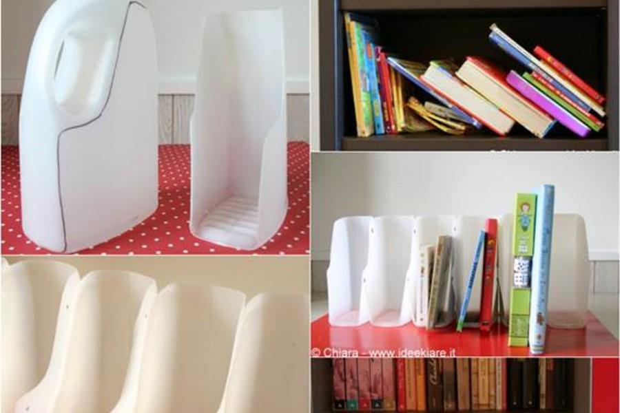 Tủ sách được làm từ chai nhựa