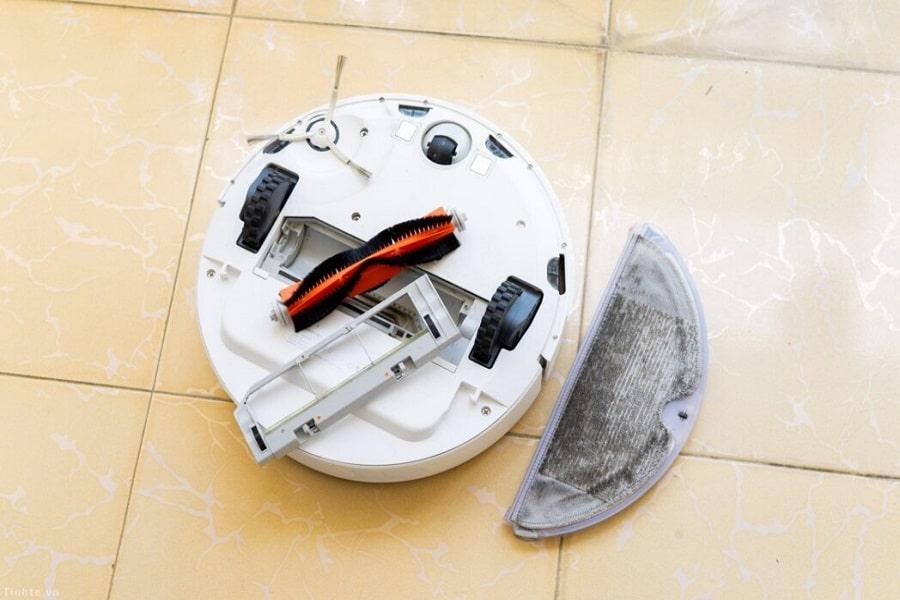 vệ sinh robot hút bụi