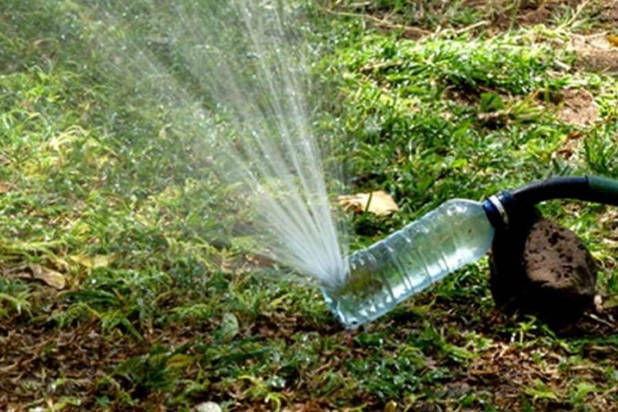 Vòi nước từ chai nhựa