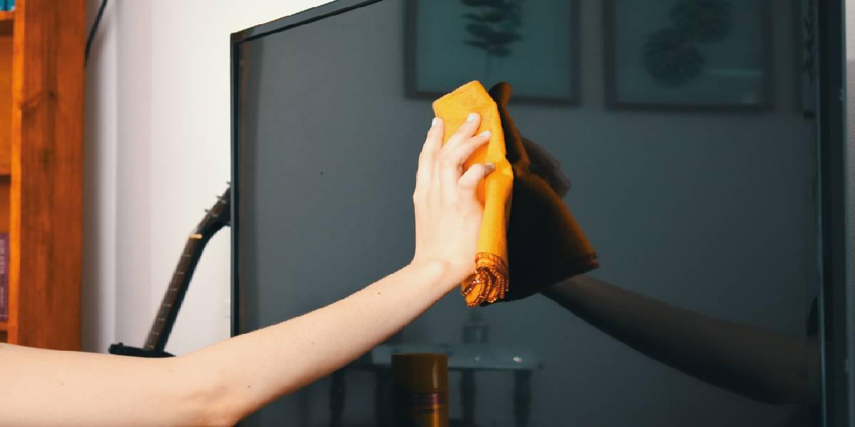 Những sai lầm khi vệ sinh tivi