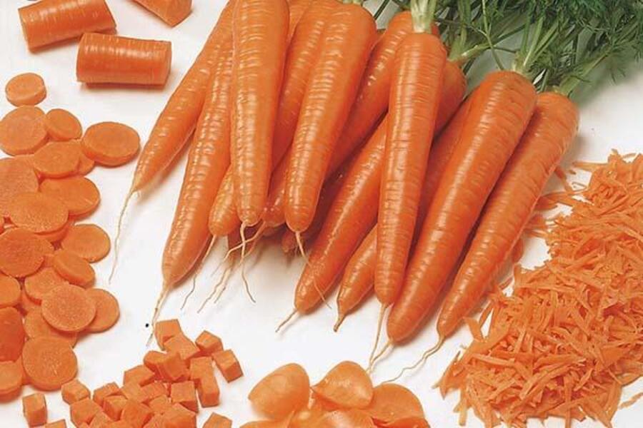 không nên bỏ cà rốt vào lò vi sóng