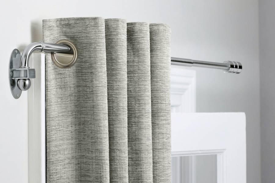Làm ấm phòng bằng cách sử dụng rèm cửa dày