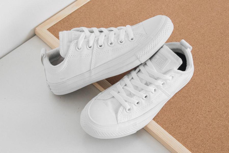 tẩy giày bị ố