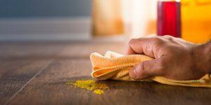 tẩy sơn trên sàn nhà