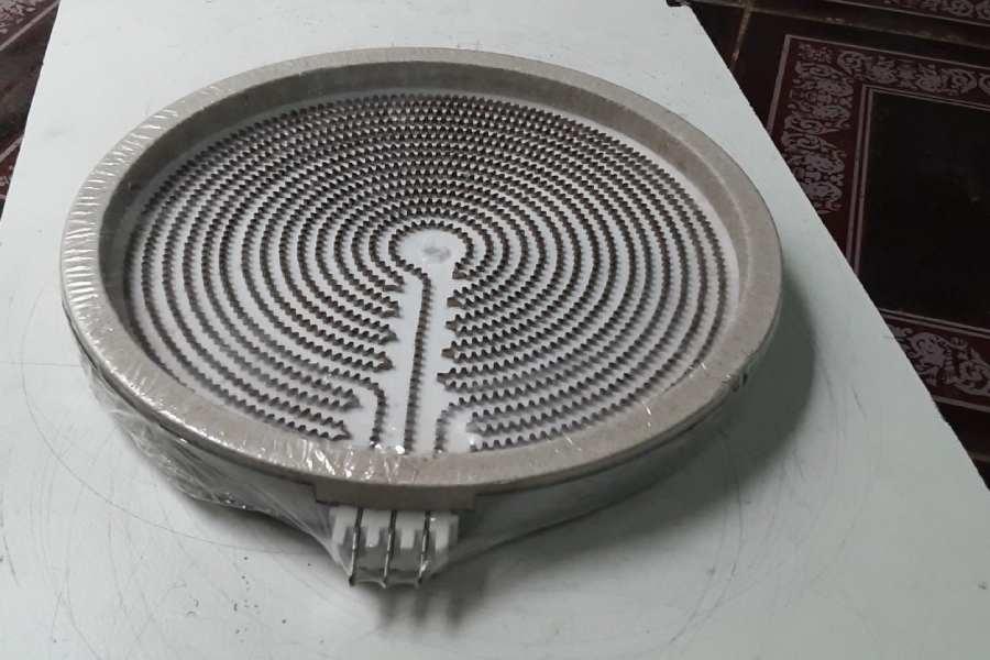 Bếp hồng ngoại không nóng do mâm nhiệt bị hỏng
