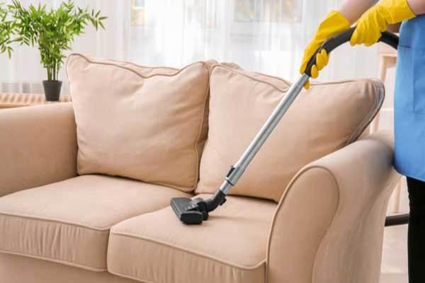 Dịch vụ vệ sinh ghế sofa của bTaskee