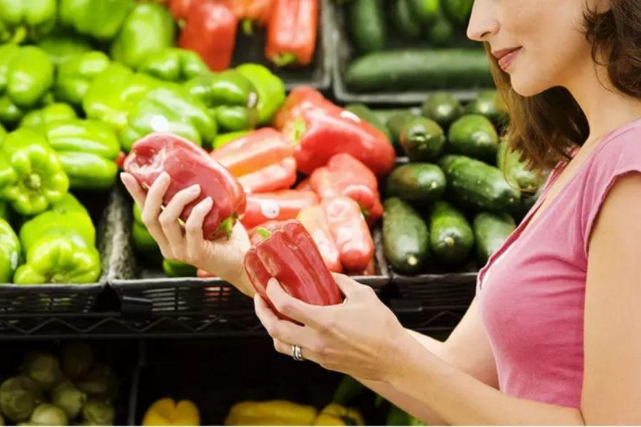 lựa chọn rau củ quả tươi ngon, không ngâm hoá chất dựa vào hình dáng bên ngoài