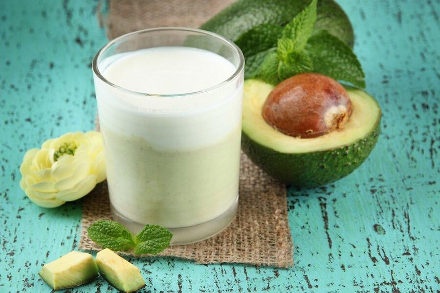 Cách làm sinh tố bơ sữa chua tốt cho hệ tiêu hóa và đường ruột của trẻ