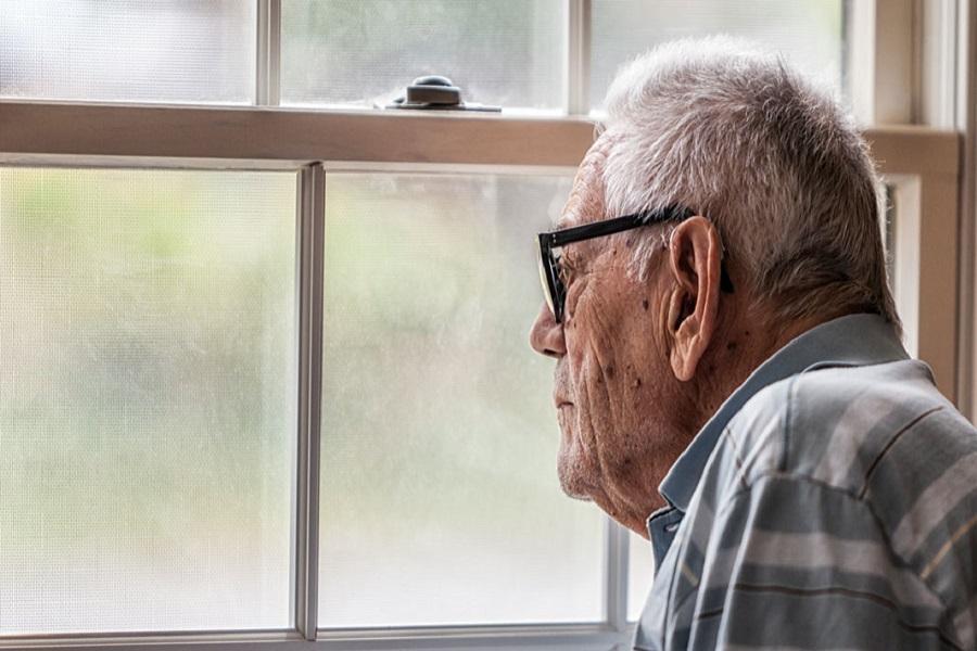 Trầm cảm khiến người già lo âu, mất tập trung, hay cảm thấy mệt mỏi. Điều này ảnh hưởng xấu đến tâm lý người cao tuổi.