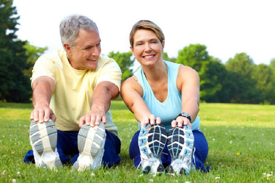 Vận đồng cơ thể mỗi sáng giúp người già cải thiện sức khỏe