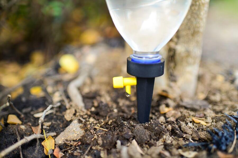 Tái chế chai nhựa tưới nước nhỏ giọt thông minh