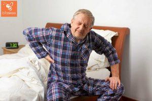 Người già đau lưng và cách điều trị