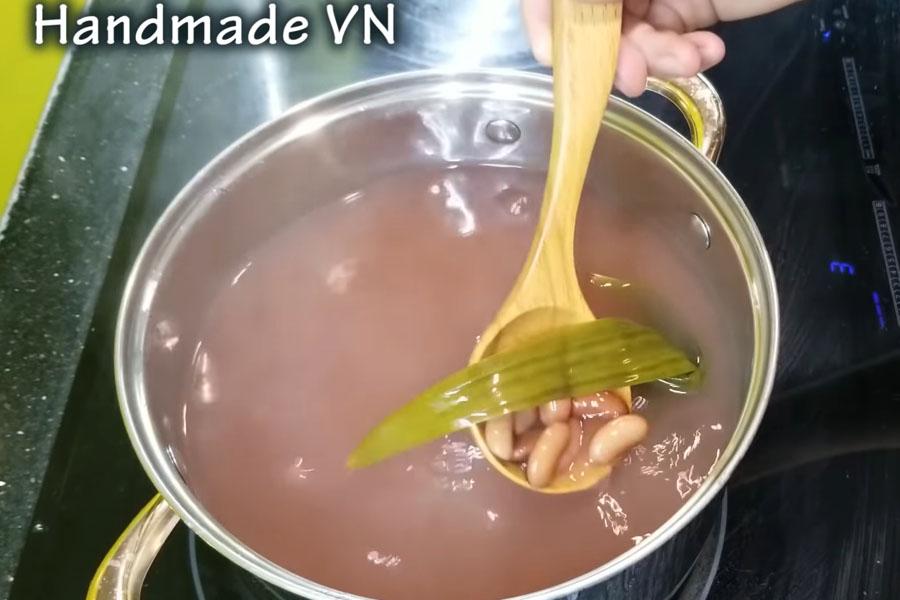 Nấu chè đậu đỏ
