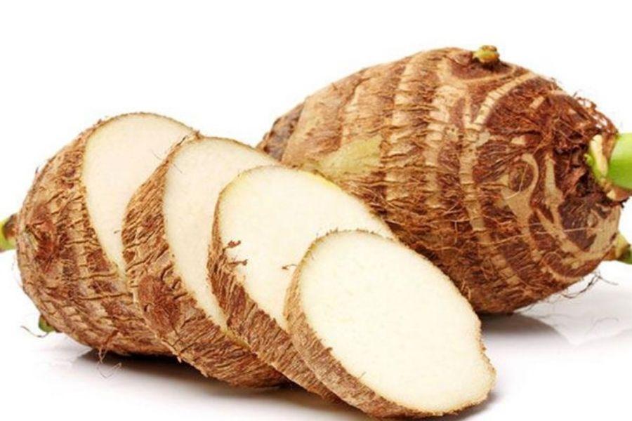 cách chọn khoai sọ dựa vào màu sắc ruột khoai