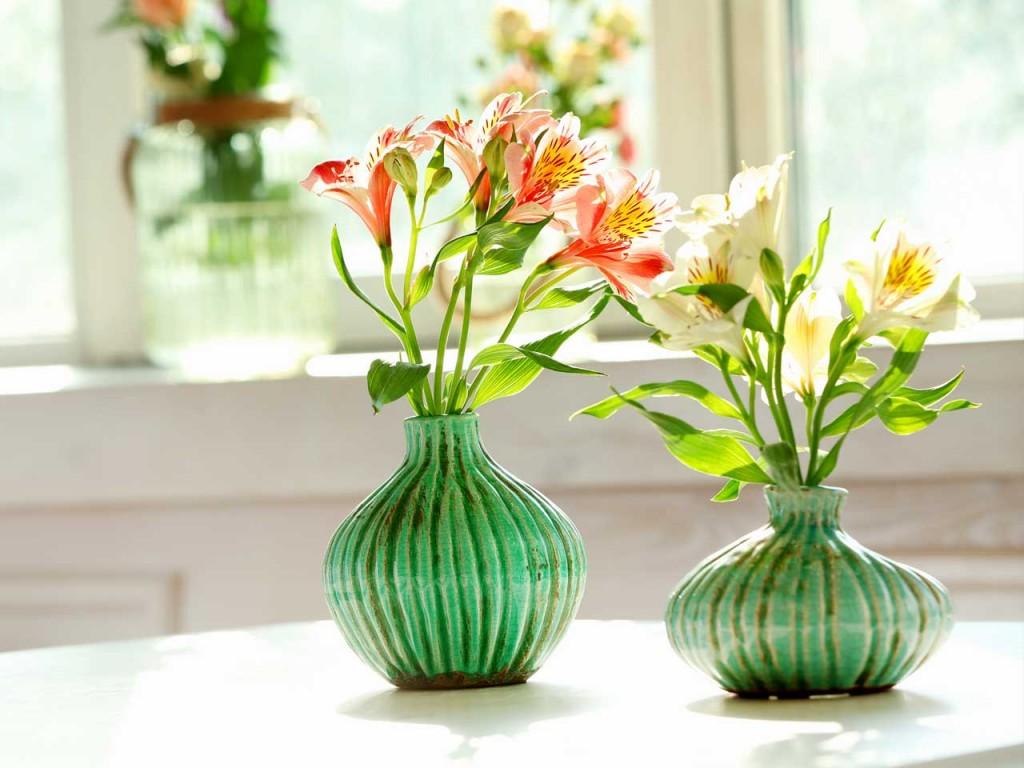 Dùng hoa tươi trang trí ngày tết