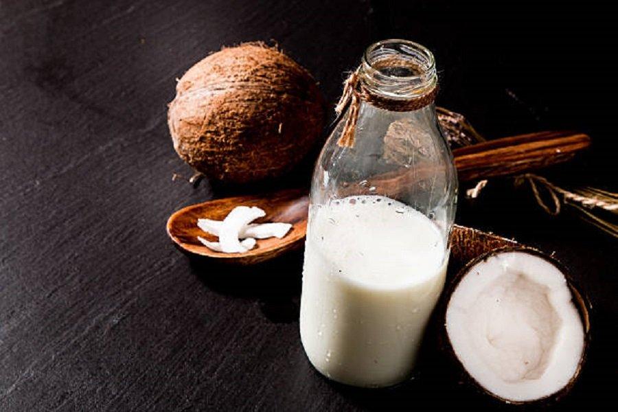 Nước cốt dừa có chứa nhiều vitamin và khoáng chất