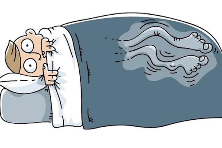 Minh hoạ người mắc chứng chân không yên, luôn cựa quậy làm mất giấc ngủ