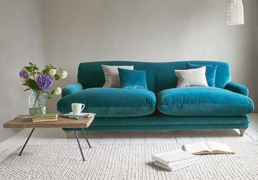 Vệ sinh ghế sofa nhung với dịch vụ giặt ghế sofa của bTaskee