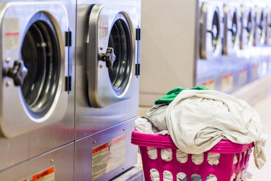 Cách giặt khô rèm cửa hạn chế bị vải bị nhăn