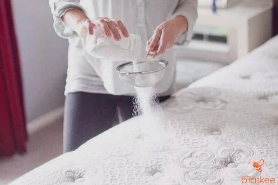 Khử mùi ẩm mốc cho topper nệm
