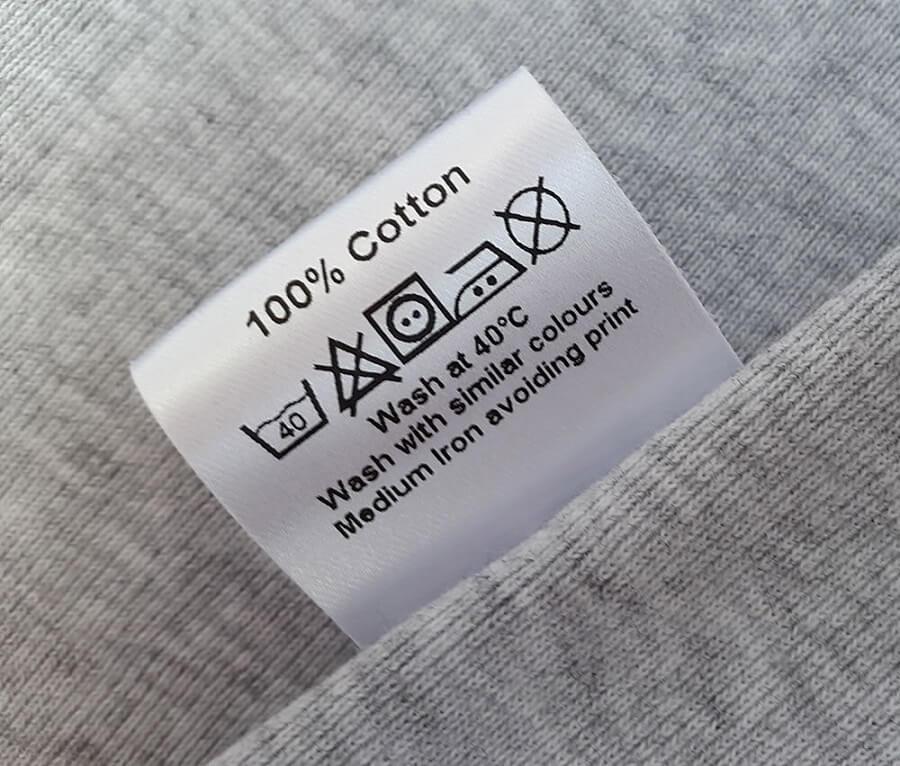 Đọc ký hiệu giặt trên gối trước khi vệ sinh