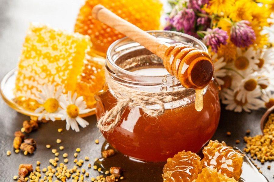 Lọ mật ong có màu vàng cánh gián