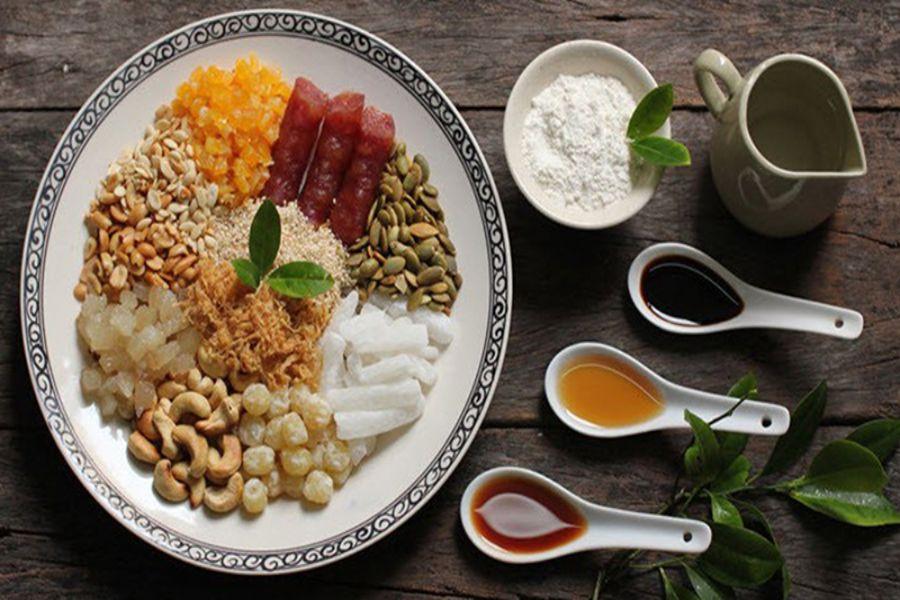 Nguyên liệu làm bánh trung thu nướng: Lạp xưởng, mè rang, lạc rang, vừng rang, bột mì, bột nở, dầu thực vật, jambon,...