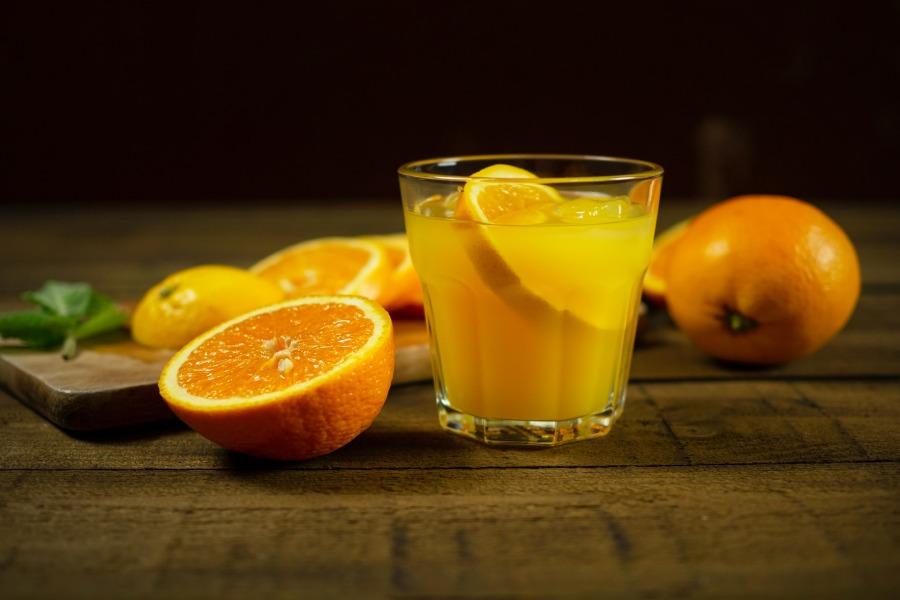 Nước cam tươi mang lại nhiều lợi ích cho sức khỏe