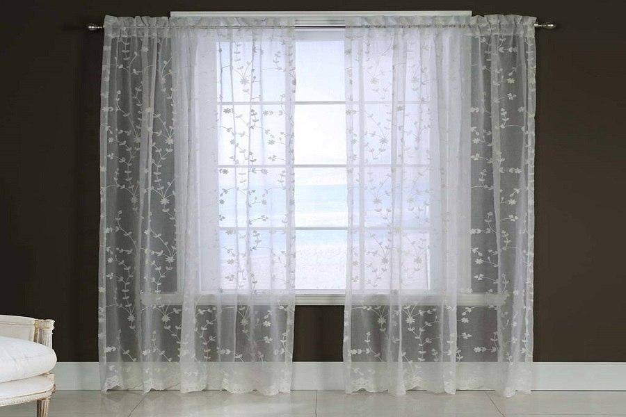 Rèm cửa vải voan mỏng nên chọn cách giặt rèm cửa bằng tay