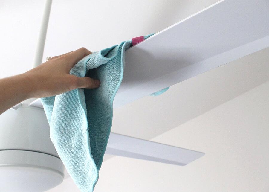 Cách vệ sinh quạt trần trên cao