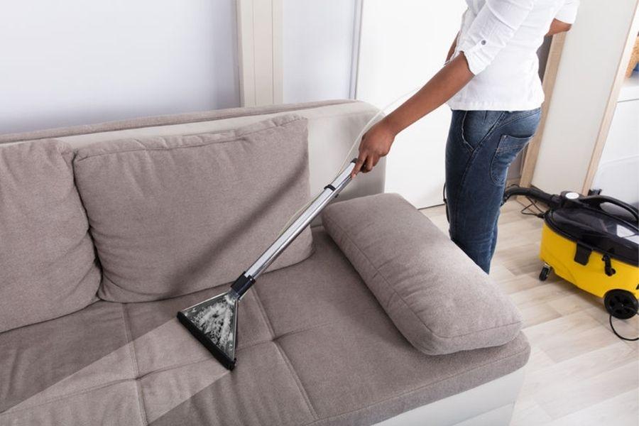Vệ sinh ghế sofa tại nhà