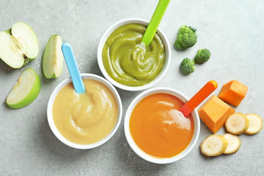 Cho trẻ ăn đầy đủ chất dinh dưỡng, các loại thức ăn mềm dễ tiêu hóa