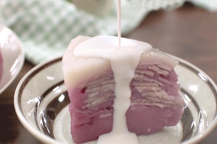 Dĩa đựng bánh khoai môn hấp nước cốt dừa